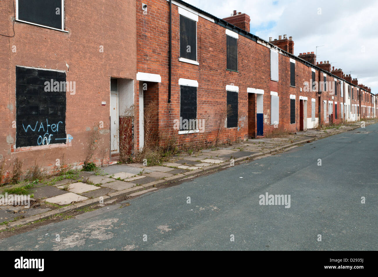 Cecil Street in Kingston Upon Hull, an example of pre war housing before redevelopment. - Stock Image
