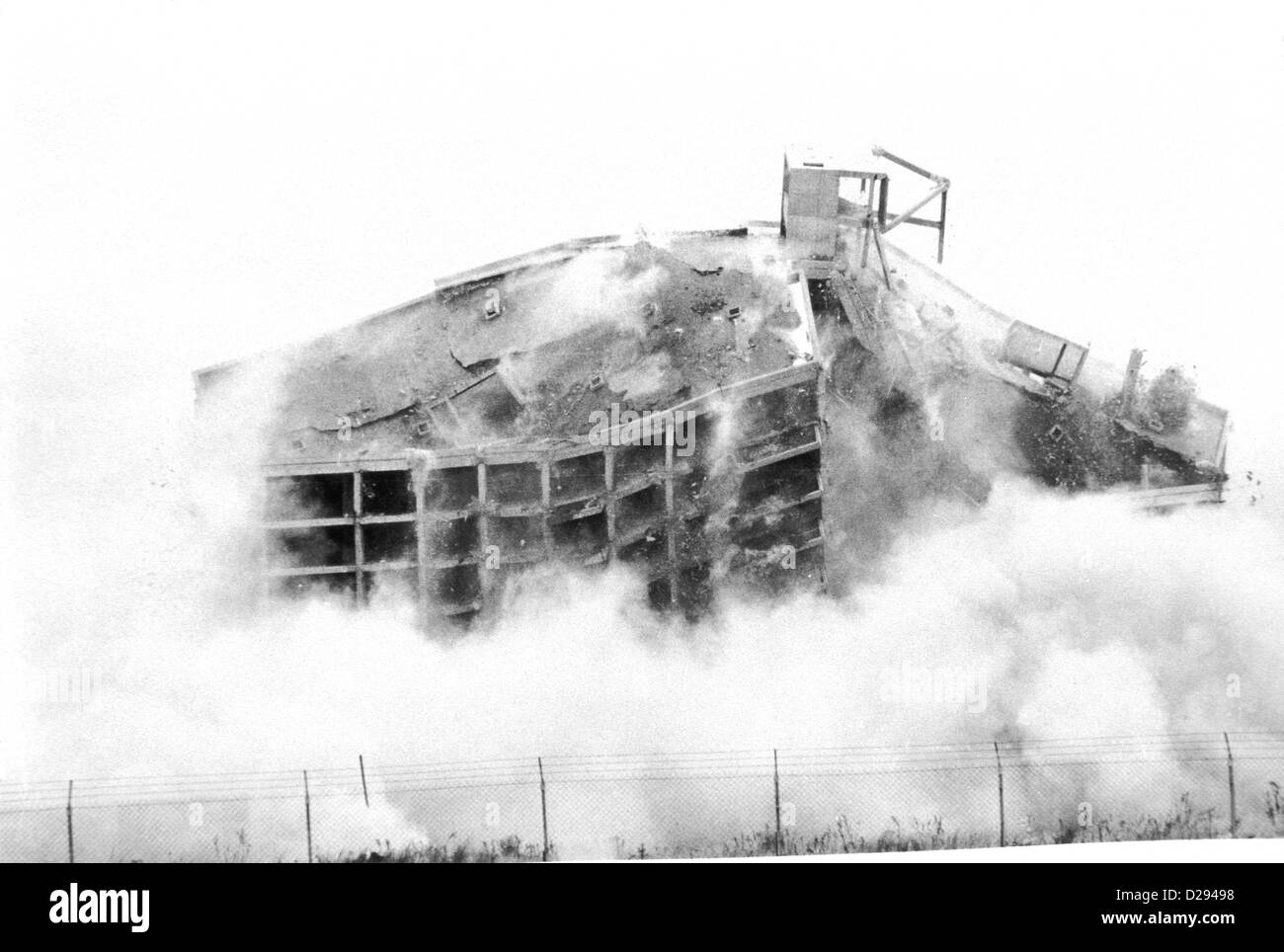 New York, Breezy Point. Building Being Demolished. (#3 In Series) - Stock Image