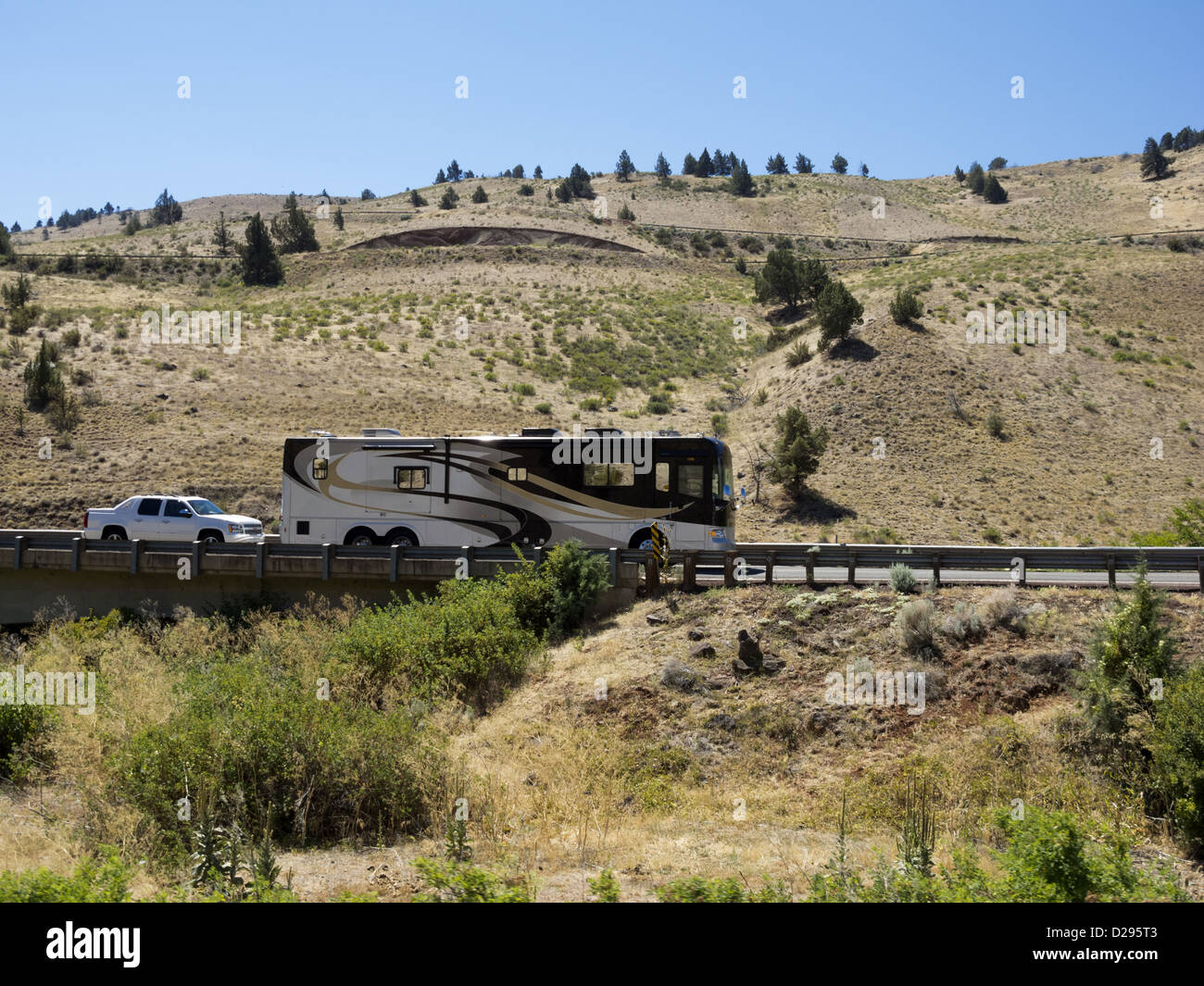 Rv Towing Stock Photos Amp Rv Towing Stock Images Alamy