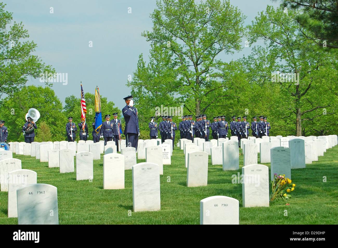 Air Force Honor Guard At A Funeral At Arlington Cemetery, Virginia - Stock Image
