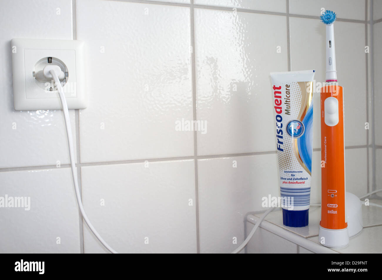 Braun Oral-B electric toothbrush - Stock Image