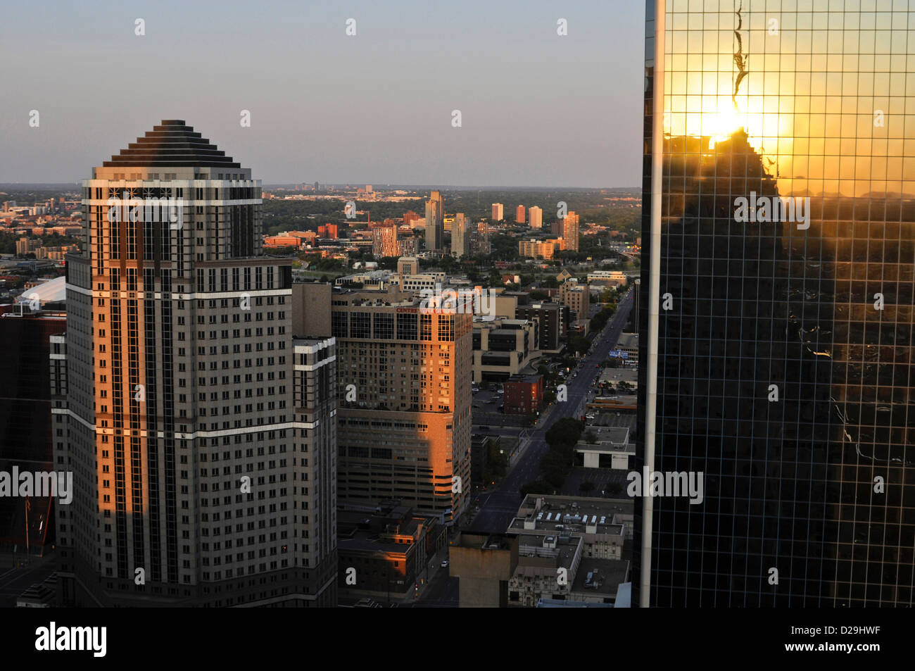 Minneapolis, Mn skyline at sunset - Stock Image