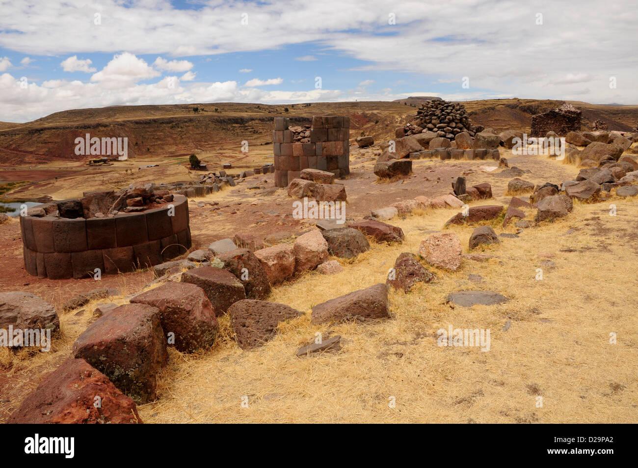 Chullpas: Funerary Tombs, Sillustani, Peru - Stock Image