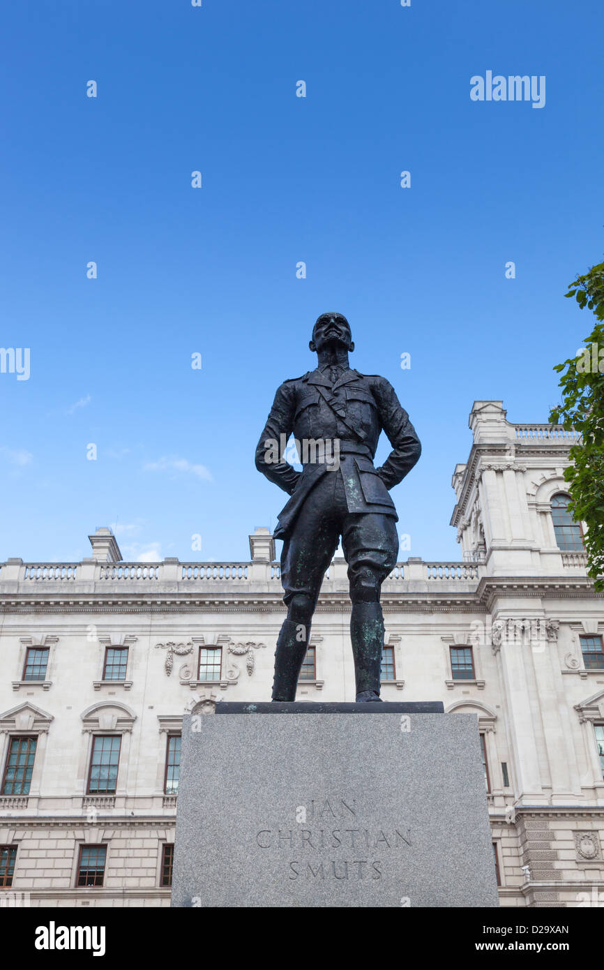 Statue of Jan Christian Smuts in Parliament Square, London. It was created by Sir Jacob Epstein and was erected - Stock Image