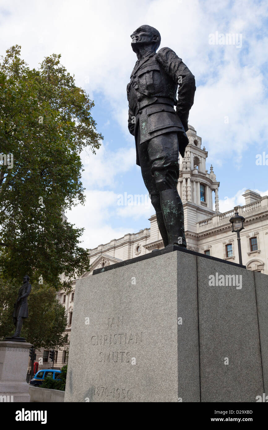 Statue of Jan Christian Smuts in Parliament Square, London. It was created by Sir Jacob Epstein and was erected Stock Photo