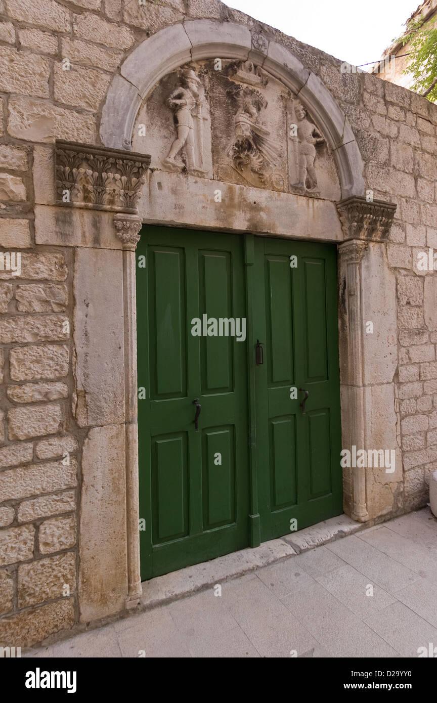 Elk192-2627v Croatia, Trogir, doorway - Stock Image