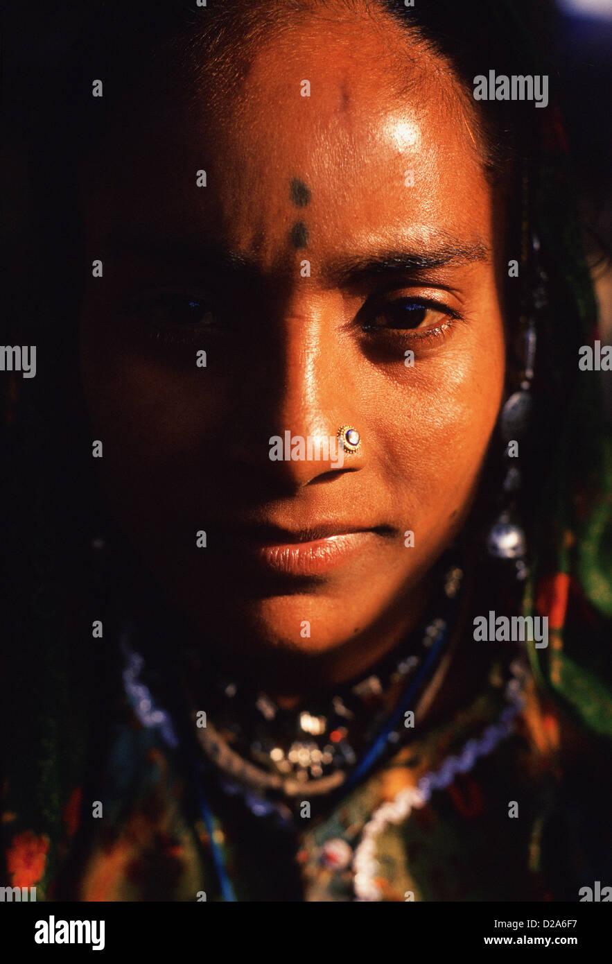 Woman belonging to the Gaduliya Lohar caste ( India) - Stock Image