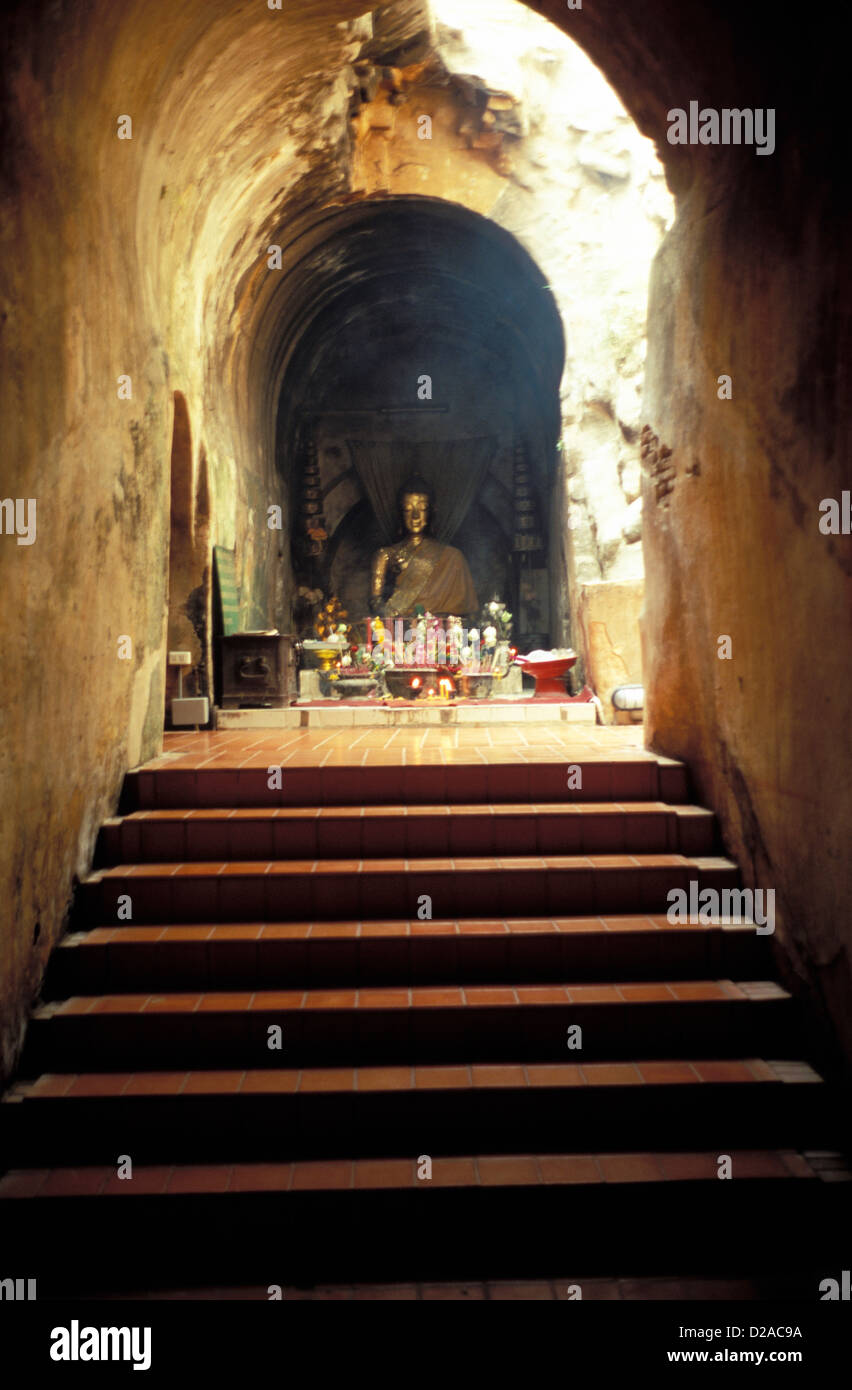 Thailand. Chiang Mai. Wat Umunt. Stairway To Altar And Seated Buddha. - Stock Image