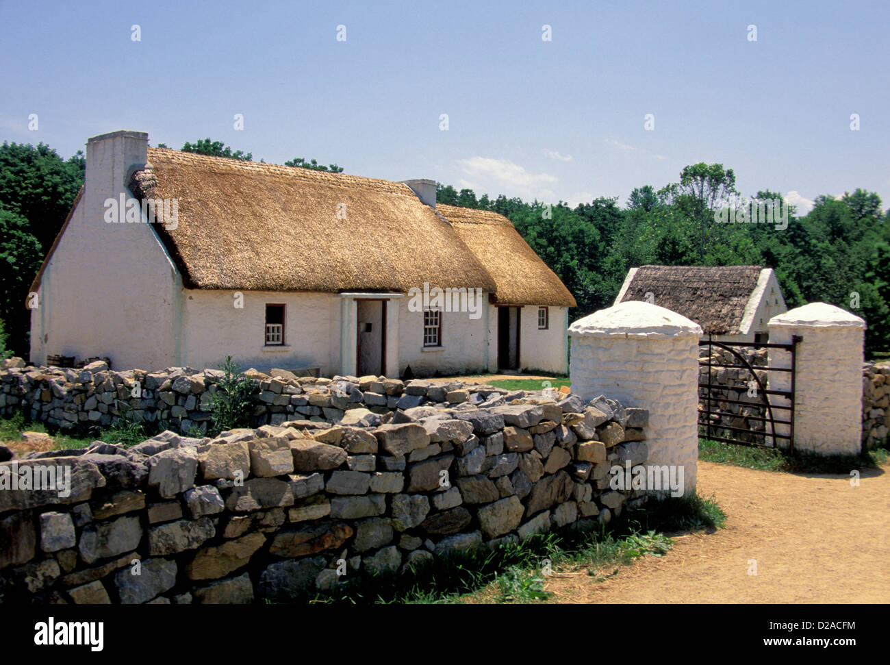 Virginia, Staunton. Ulster Home Frontier Museum (Thatched Roof) - Stock Image