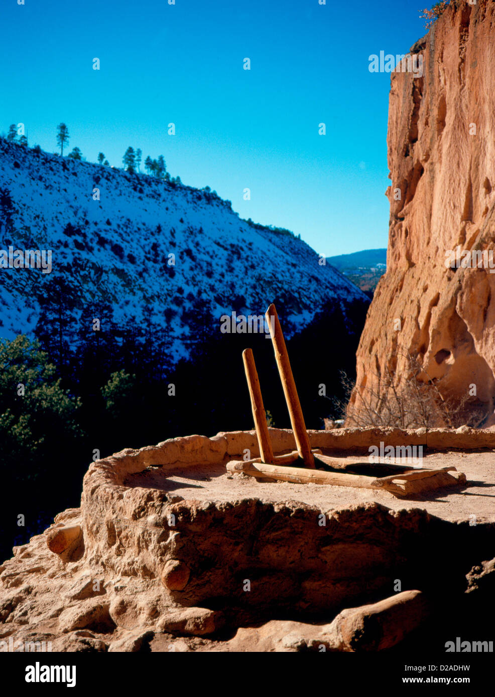 New Mexico. Bandelier National Monument. Anasazi Kiva, With Top Of Ladder Showing - Stock Image