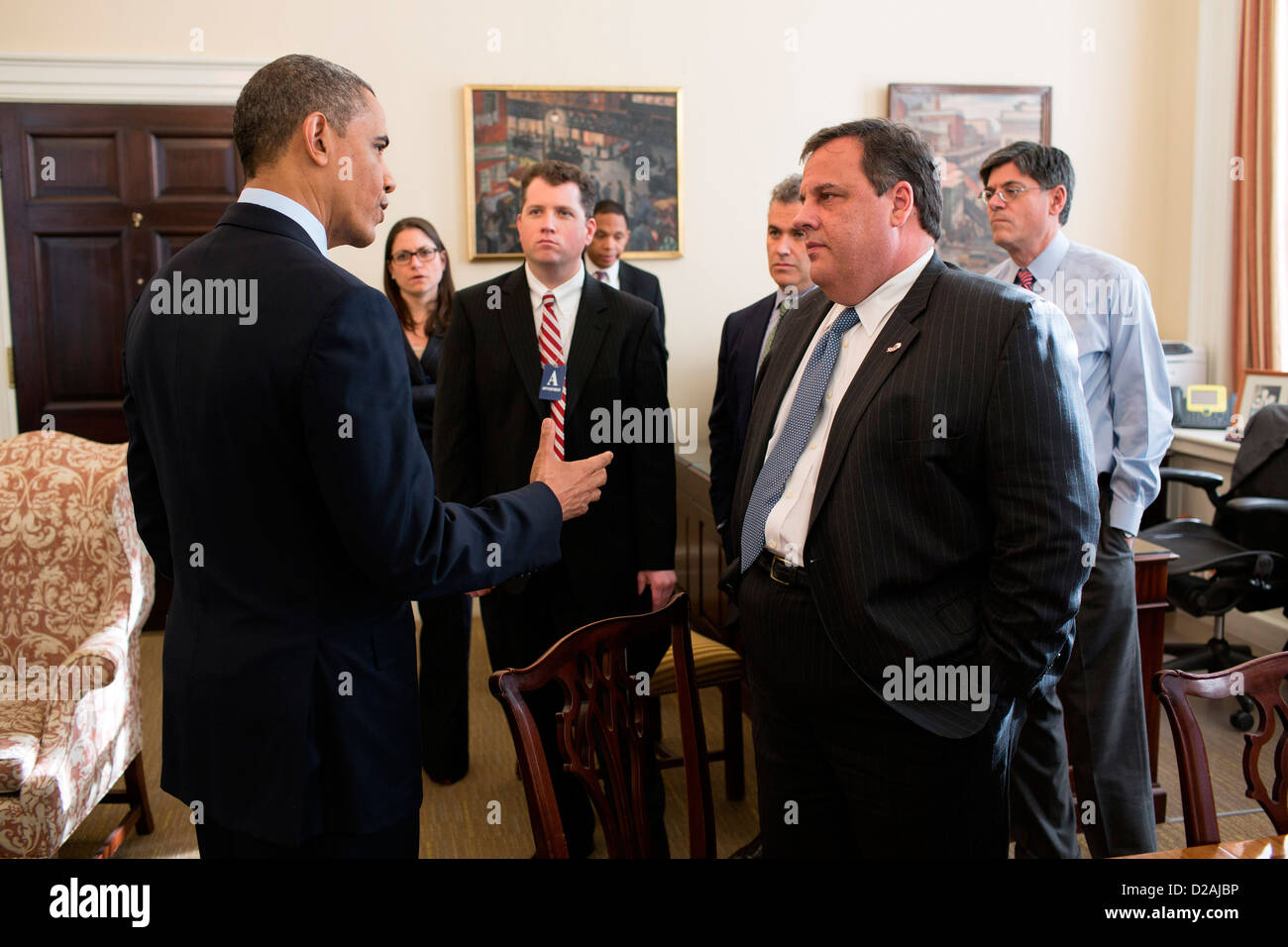 US President Barack Obama greets New Jersey Governor Chris Christie and members of his staff in Chief of Staff Jack - Stock Image