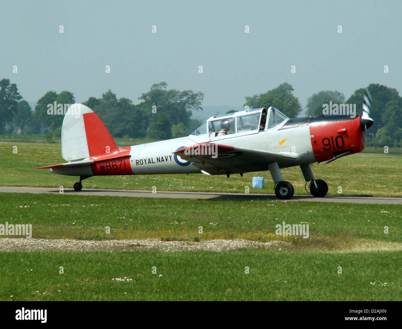 WB671, De Havilland DHC-1 Chipmunk T.10 C/N C1/0119 - Stock Image