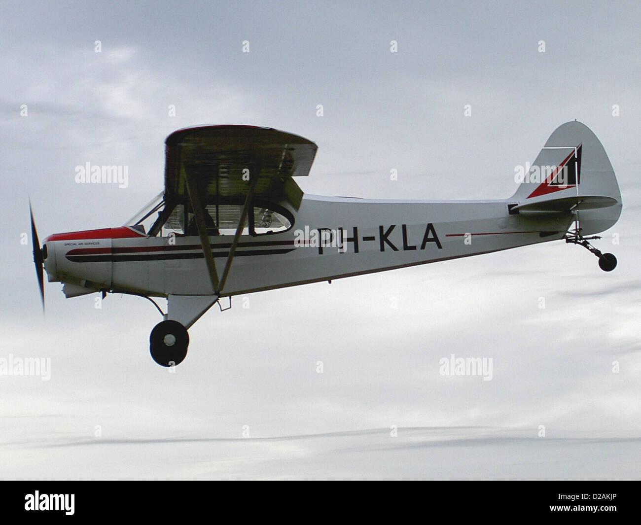 PH-KLA Piper PA-18-150 Super Cub at Deventer - Teuge (