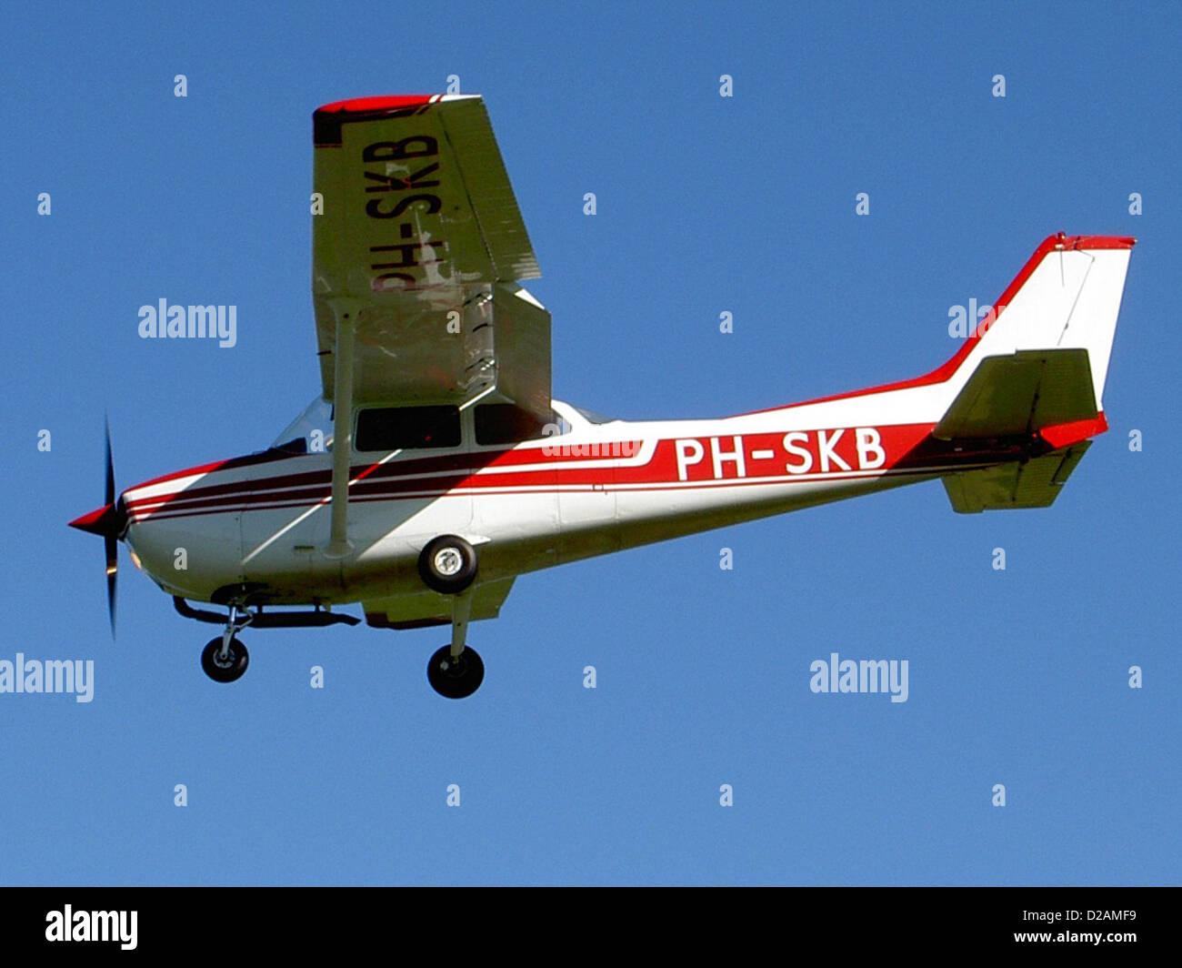 Reims F172N Skyhawk 100, PH-SKB (cn F17201549), Deventer - Teuge