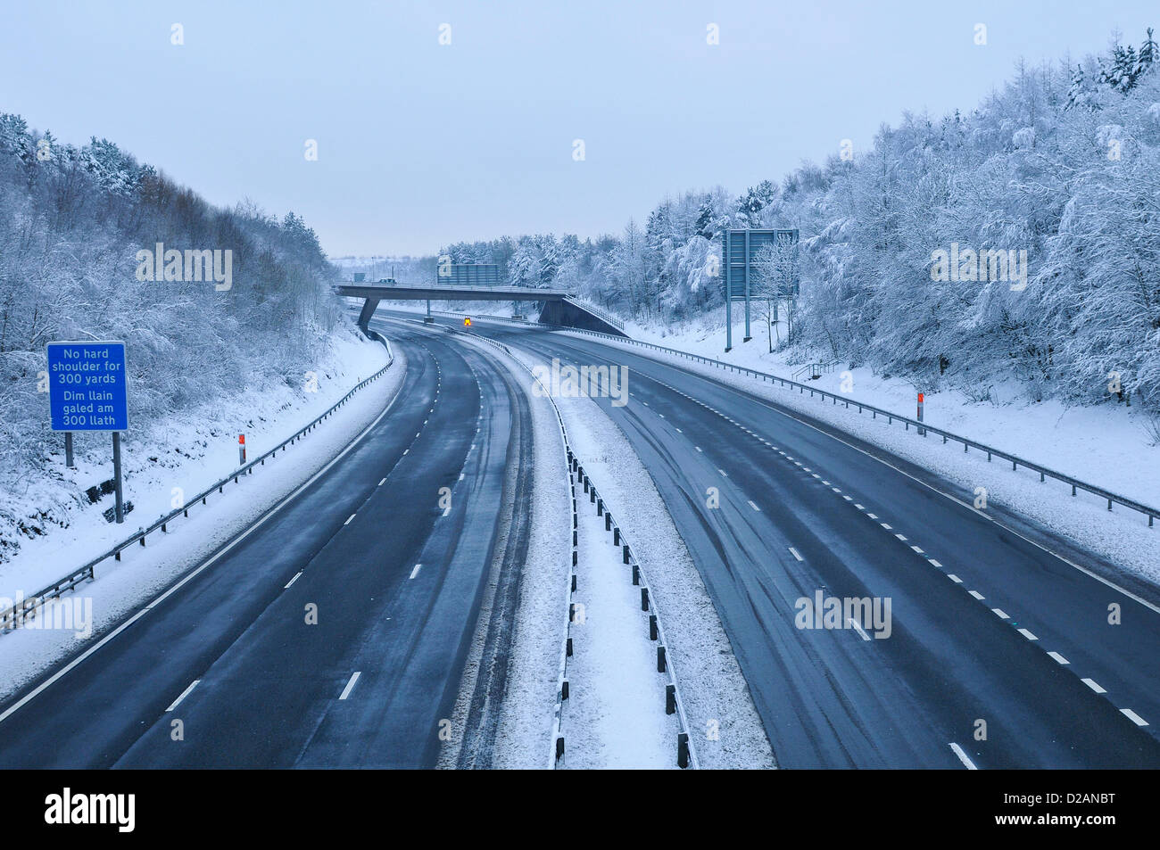 M4 Motorway. Cardiff, UK. Friday 18th January 2013. Traffic is at a minimal on a section of the M4 motorway near - Stock Image