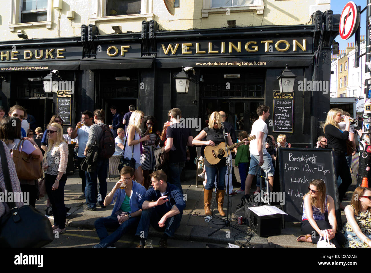 united kingdom london borough of kensington and chelsea portobello road the duke of wellington pub - Stock Image