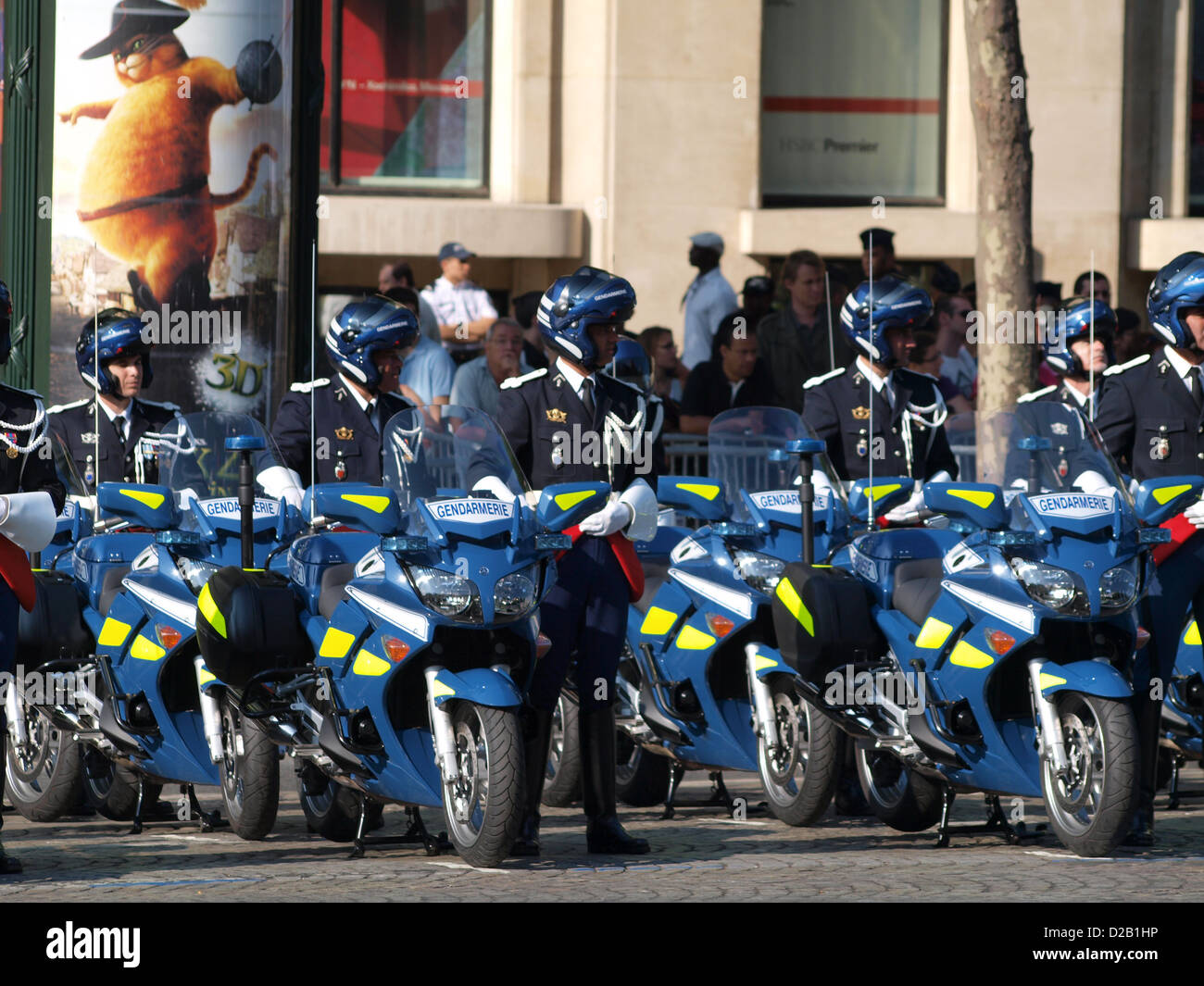Gendarmerie Yamaha Diversion military parade Champs Elysees - Stock Image