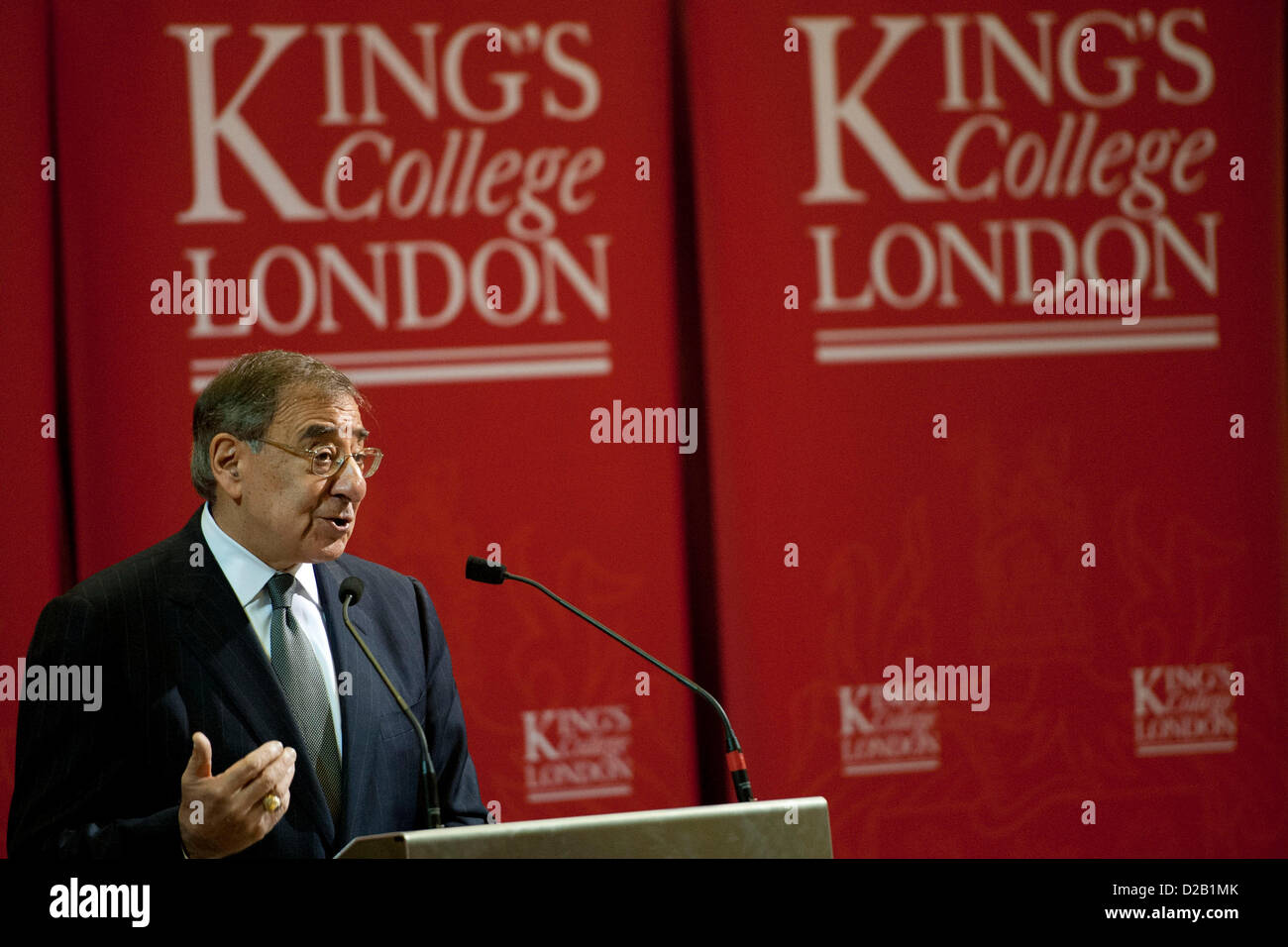US Secretary of Defense Leon Panetta speaks at Kings College January 18, 2013 in London, England, UK. Panetta is - Stock Image