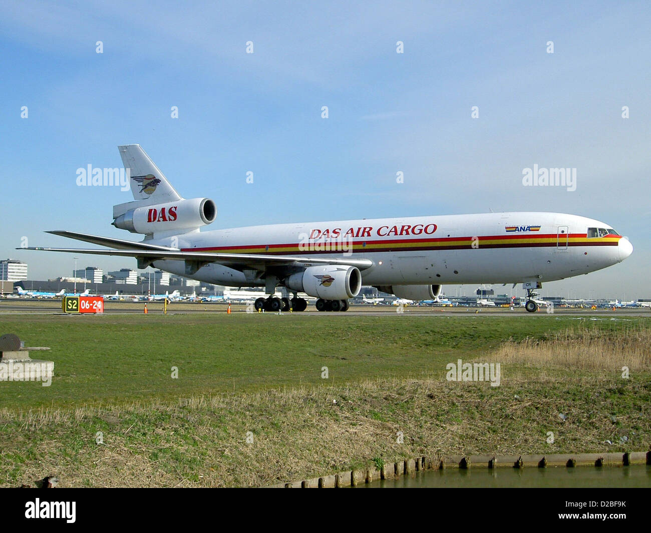 DC-10 DAS Air Cargo 5X-JCR at Schiphol - Stock Image