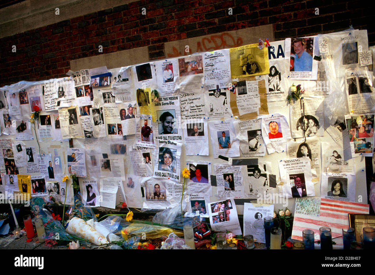 New York City, 9/11/2001. Wall Of Photos Of Missing Persons Following World Trade Center Attack - Stock Image