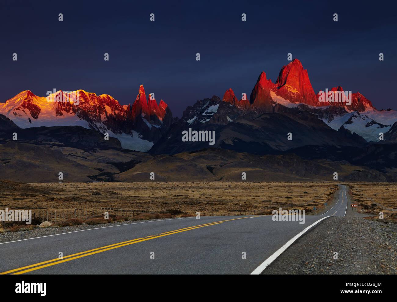 Mount Fitz Roy at sunrise, alpenglow. Los Glaciares National Park, Patagonia, Argentina - Stock Image