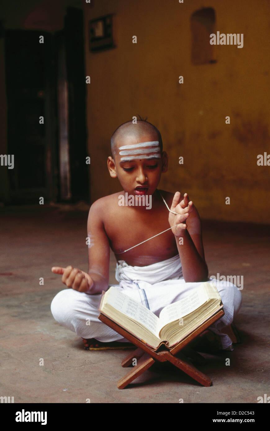Indian Boy Reciting Vedas, Hindu Scripture. Kumbakonam, Tamil Nadu, India - Stock Image