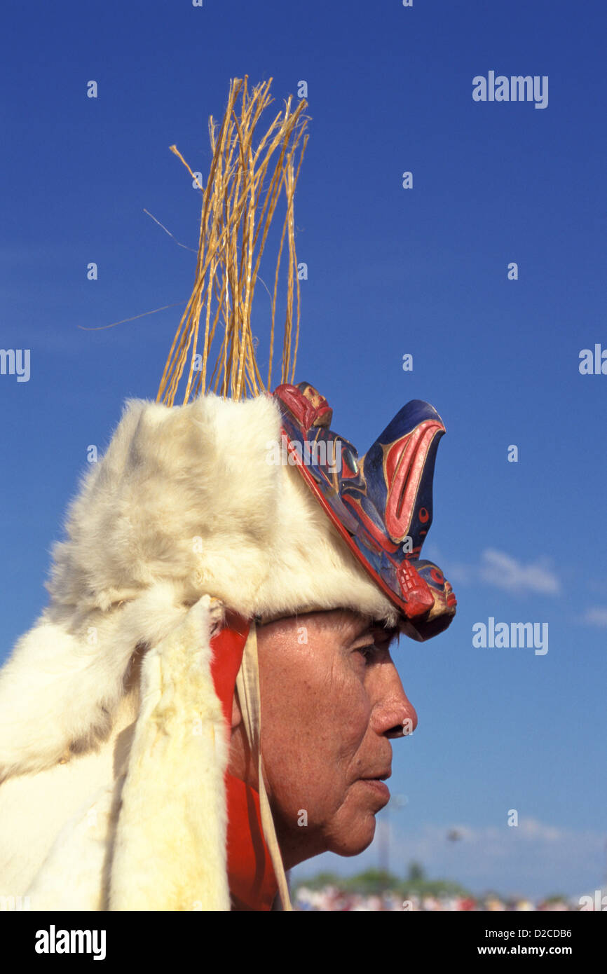 Canada, Victoria B.C. Native Canadian Chief In Traditional Headdress - Stock Image
