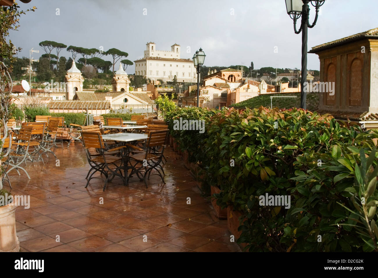 Roof Cafe Stock Photos & Roof Cafe Stock Images - Alamy