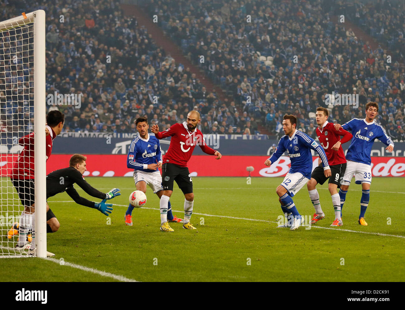 Gelsenkirchen,Germany, FC Schalke 04 -Hannover 96 5-4 , am 18.01.2013,  Torwart Ron-Robert ZIELER (H 96) -2.v.li. - Stock Image