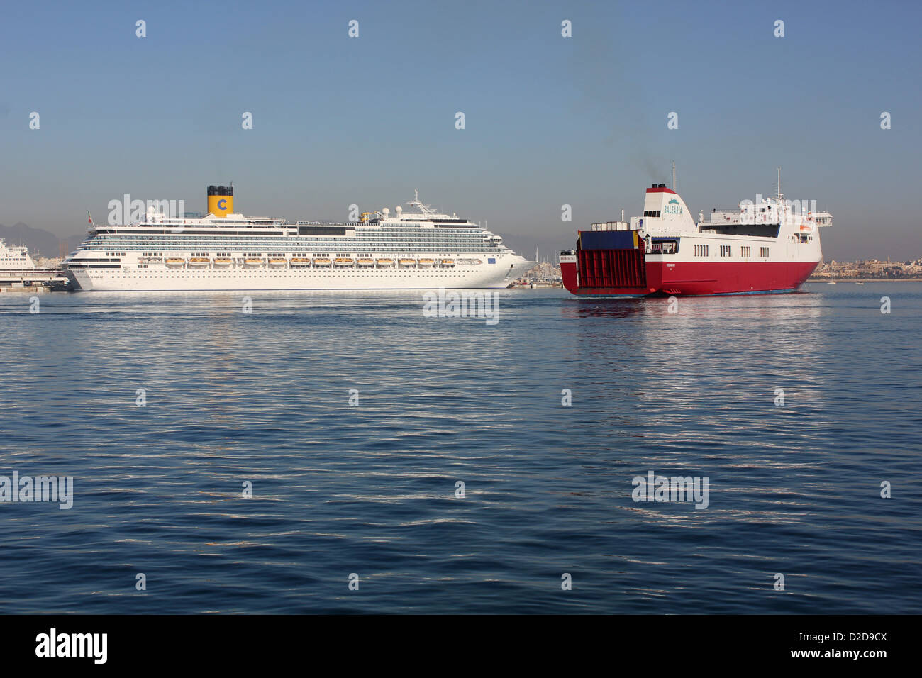 """Balearia Roll on Roll off (Ro-Ro) cargo ferry """"VISEMAR ONE"""" – daily midday departure for Barcelona - passing Costa - Stock Image"""