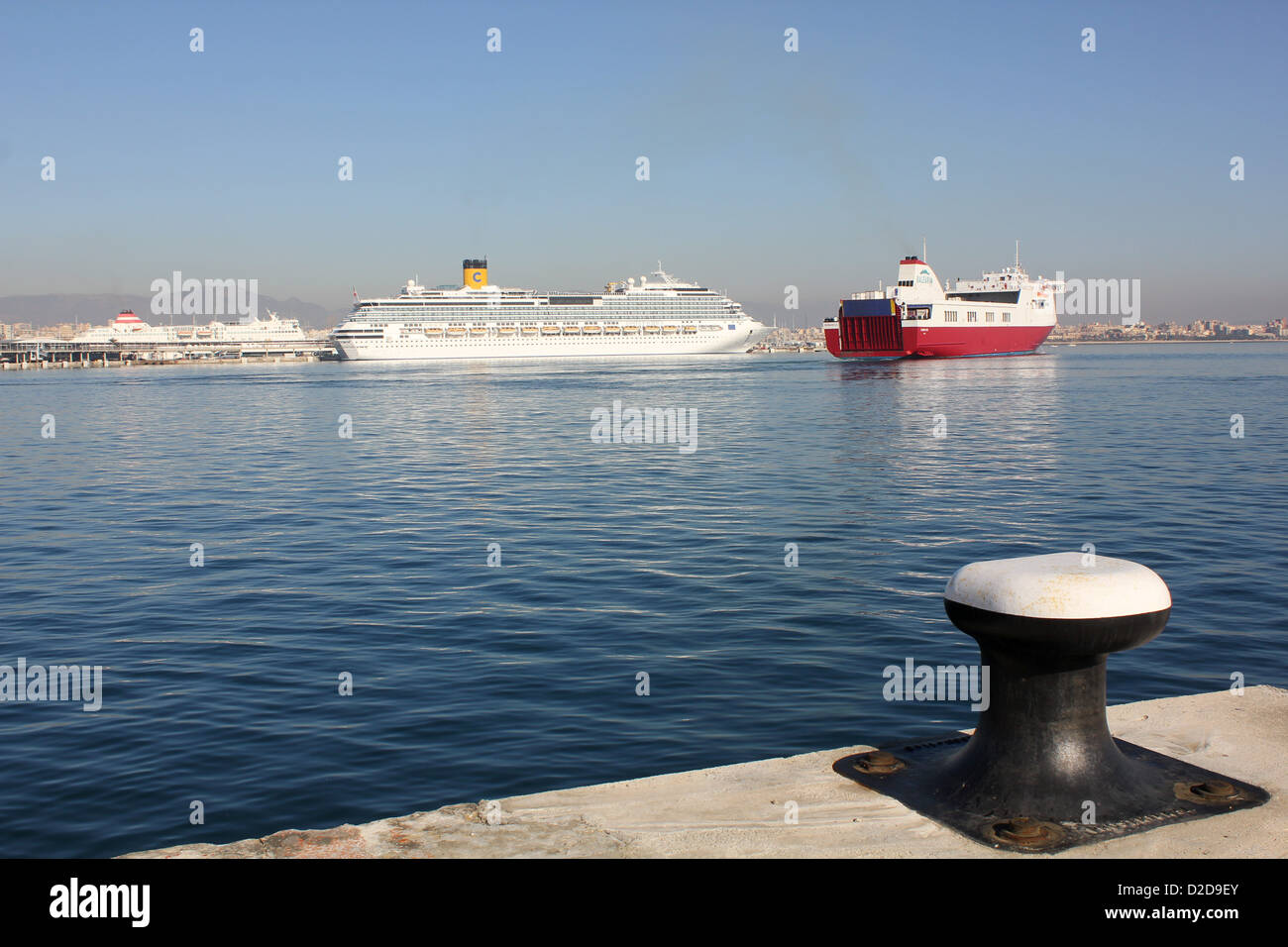 """Balearia Roll on Roll off (Ro-Ro) cargo ferry """"VISEMAR ONE"""" – daily midday departure for Barcelona - Palma de Mallorca. - Stock Image"""