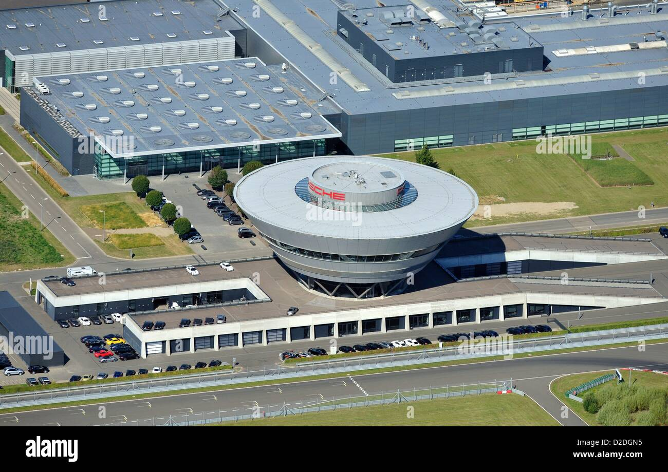 View on the extension building of the Porsche plant in Leipzig, Saxony, on 14 August 2012. - Stock Image