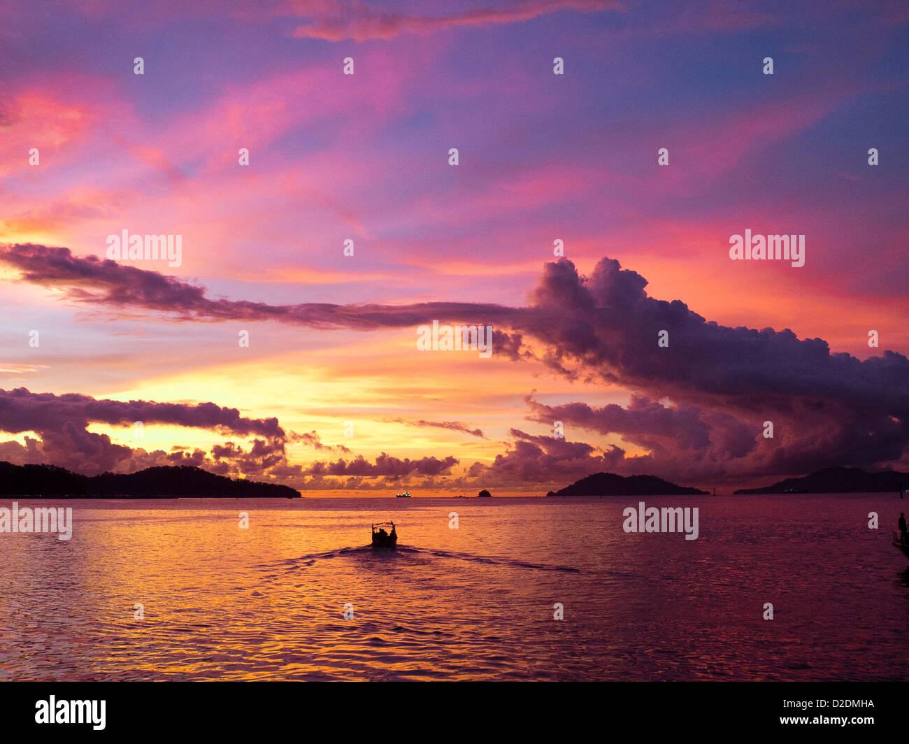 Malaysia, Borneo, Kota Kinabalu, South China Sea at dusk Stock Photo