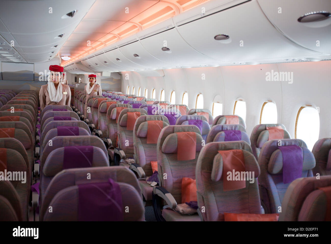 Airbus a380 emirates airways standard class economy seats for Airbus a380 emirates interior