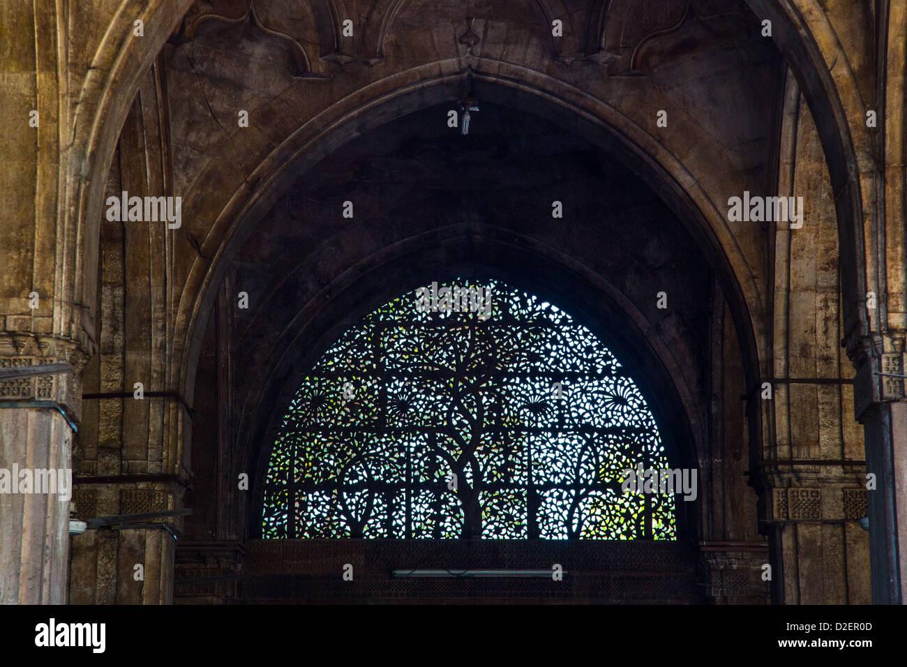 Ornate carved Jali at Sidi Sayyid Mosque, Ahmedabad, Gujarat, India - Stock Image