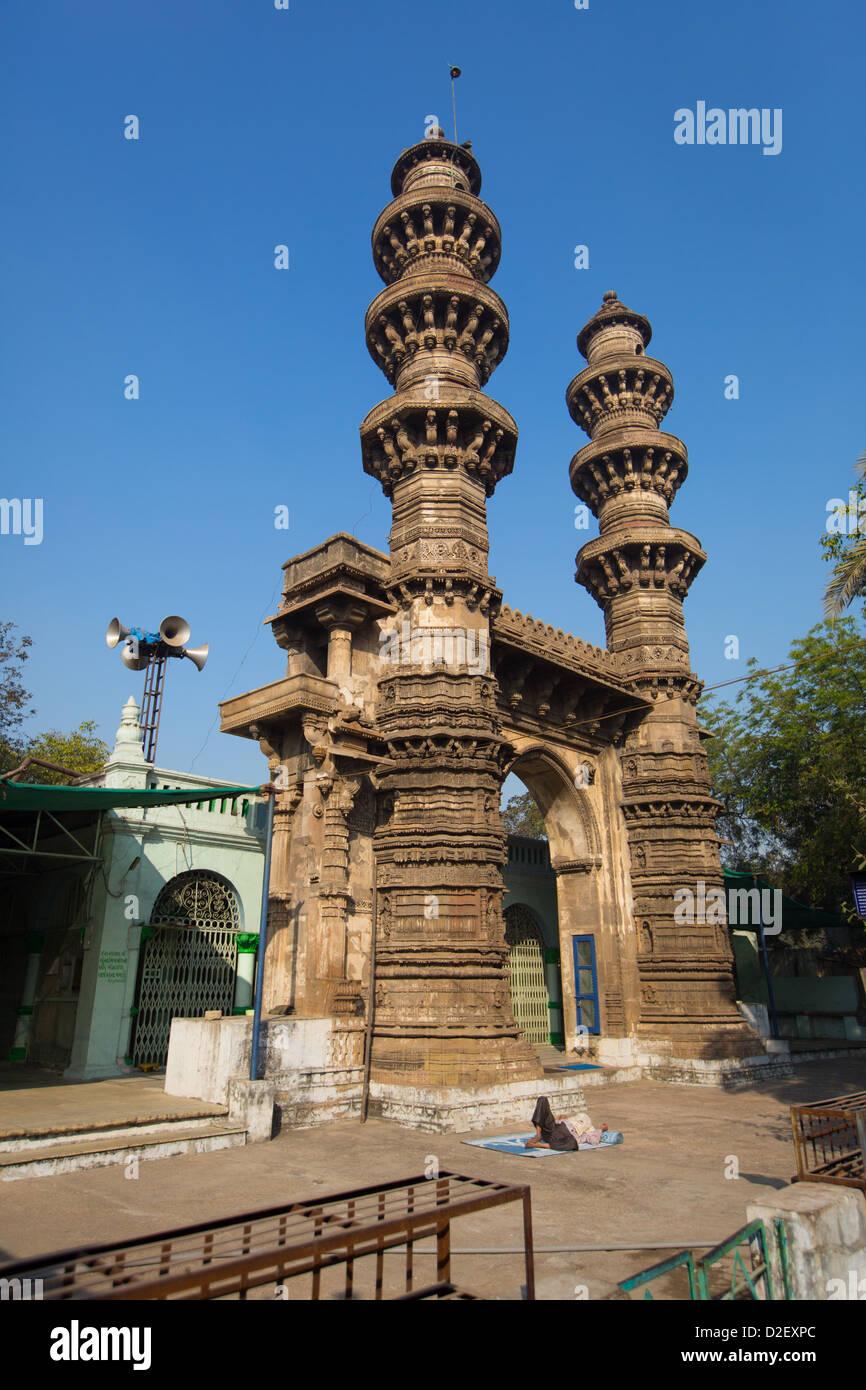 Shaking Minarets, Sidi Bashir Minars, Ahmedabad, India - Stock Image