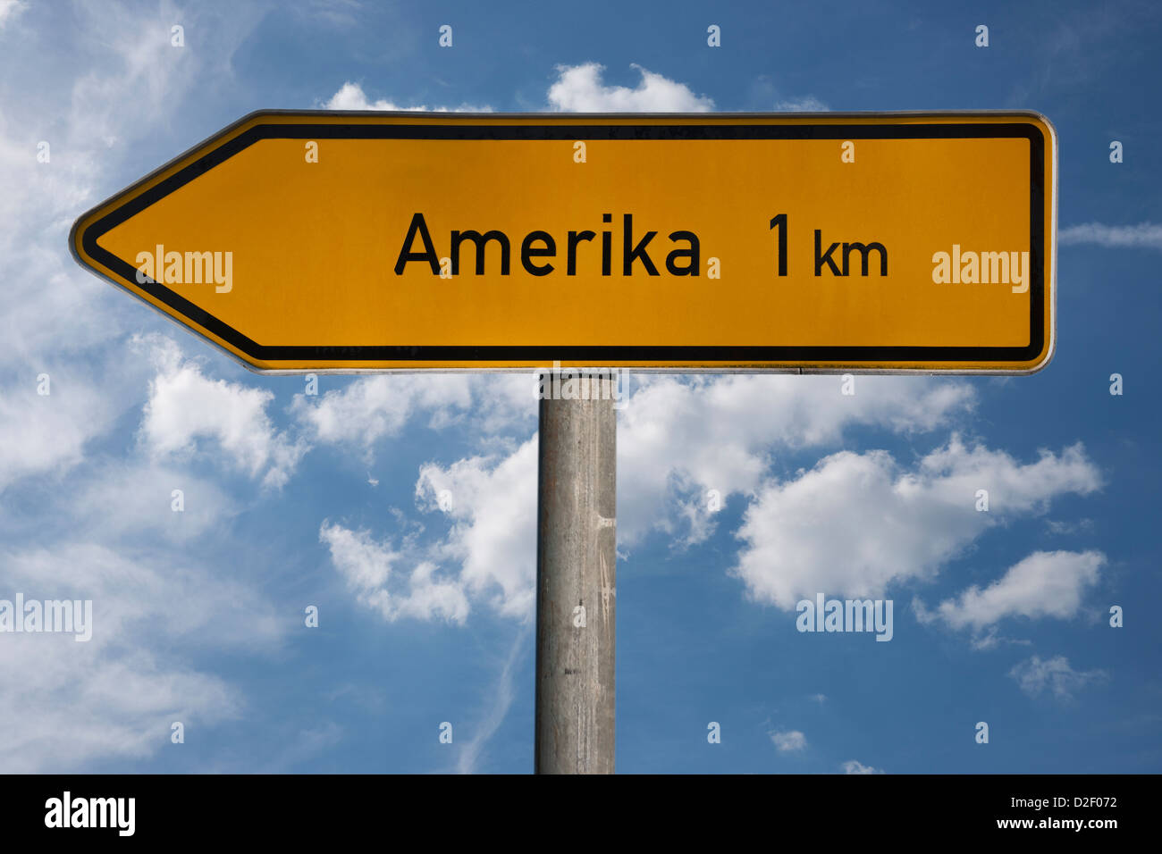 A signpost shows directory Amerika, 1 kilometer. America is the smallest locality of Penig, Saxony, Germany, Europe - Stock Image