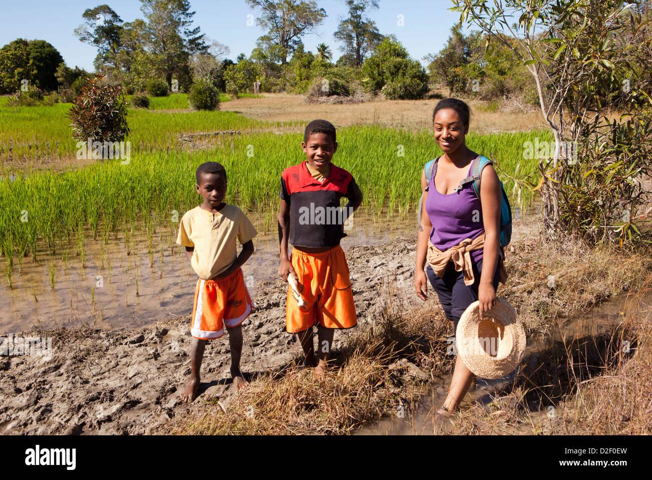 Madagascar, Operation Wallacea, Matsedroy, sixth form student with Madagascan boys - Stock Image