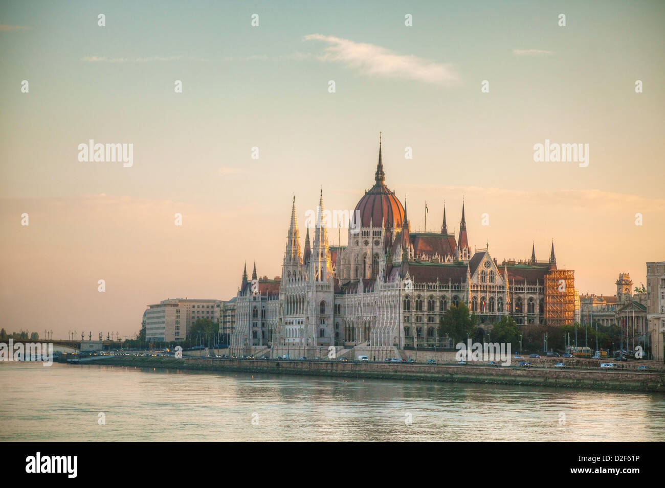 Hungarian Parliament building in Budapest early in the morning - Stock Image