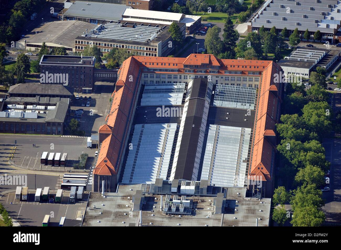 View on building 70 on the grounds of the Mercedes-Benz plant Berlin-Marienfelde on 14 August 2012. - Stock Image