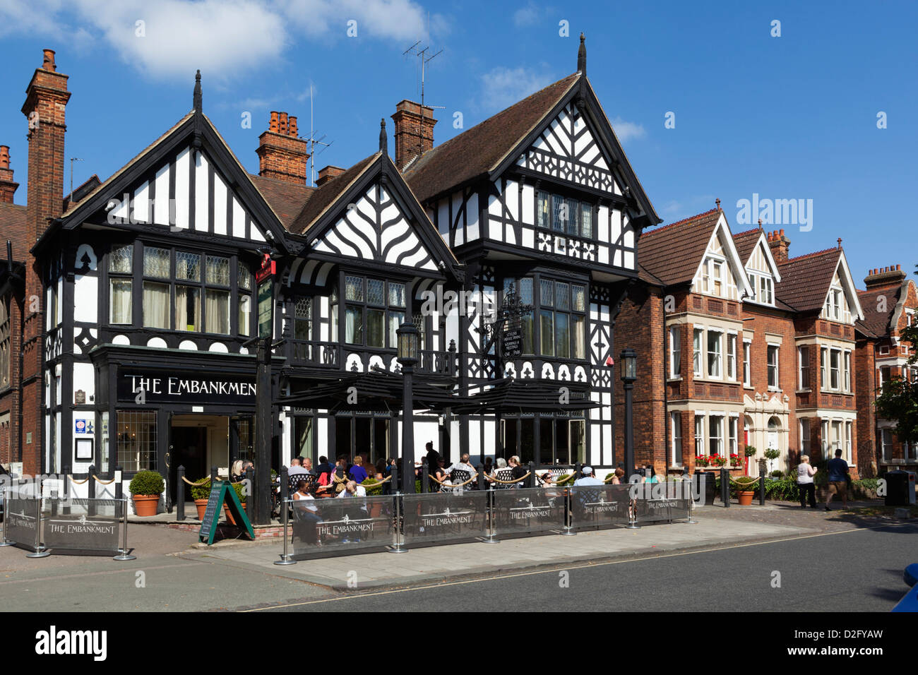 The Embankment pub - Stock Image