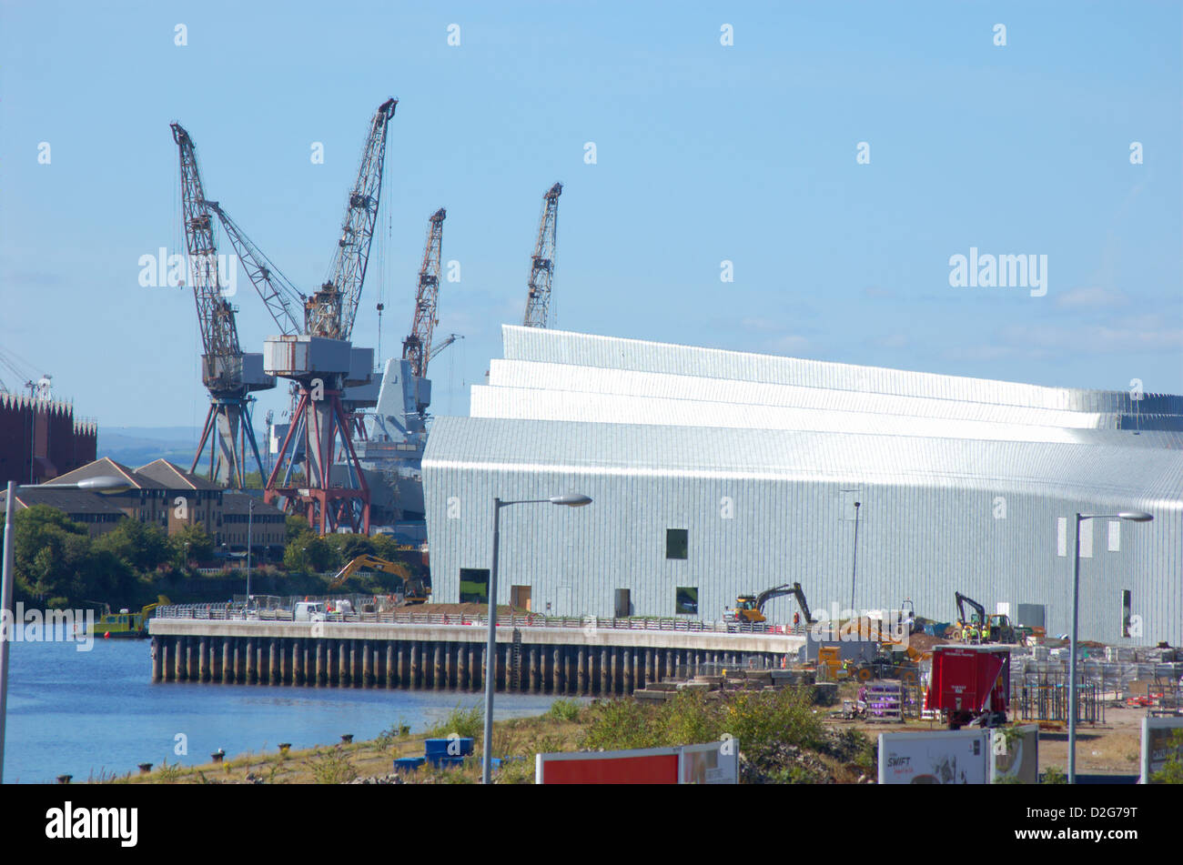 New transport museum building and cranes at Govan shipyard in Glasgow, Scotland - Stock Image