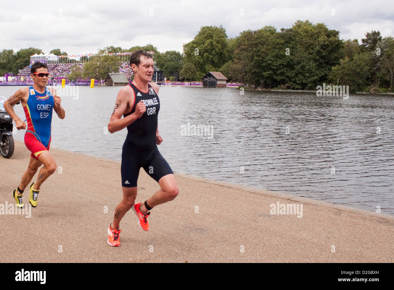 Alistair Brownlee and Javier Gomez running in Olympic Men's Triathlon 2012, in Hyde Park. - Stock Image
