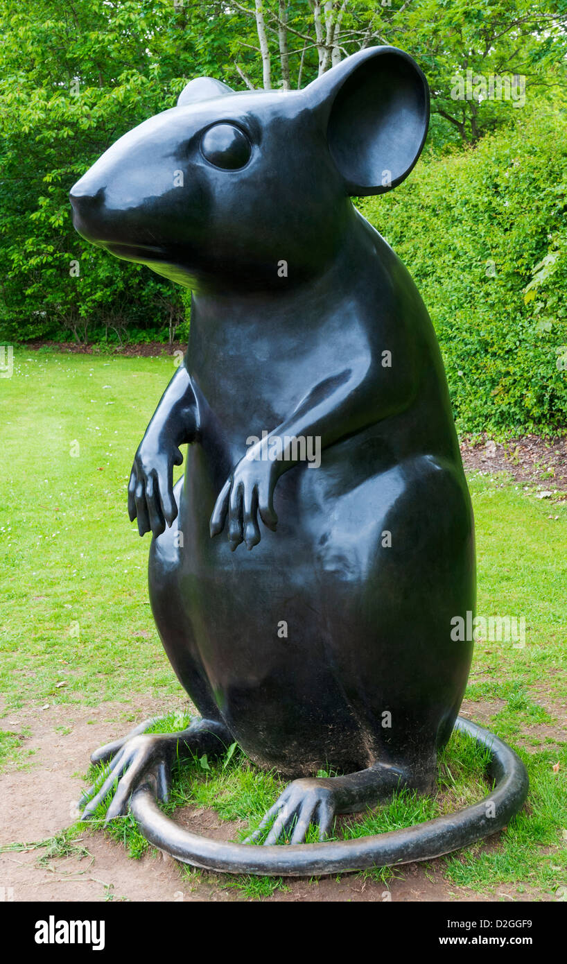 Scotland, Alloway, birthplace of Scotland's National Poet Robert Burns (1759-96), Poet's Path, mouse sculpture - Stock Image