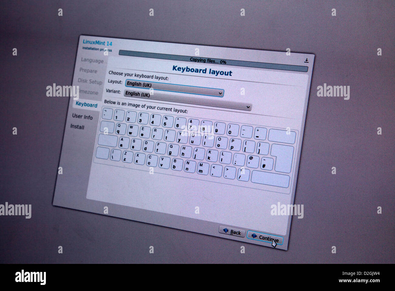 Linux Mint 14 operating system - installation showing screenshot during install - Stock Image