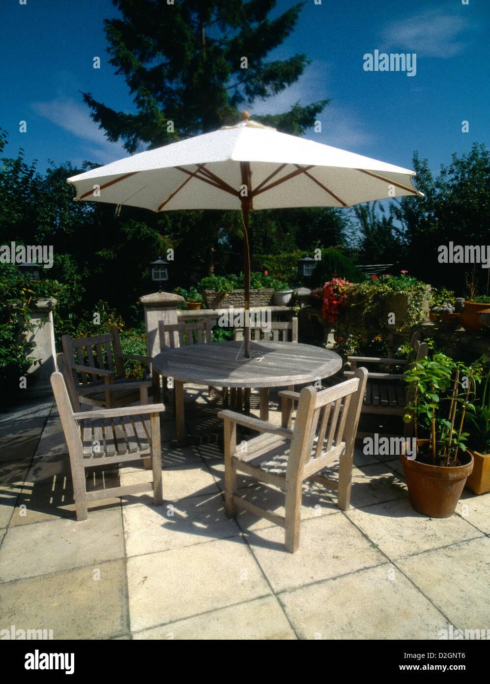 Wooden Garden Furniture Table U0026 Chairs U0026 Sun Shade Umbrella