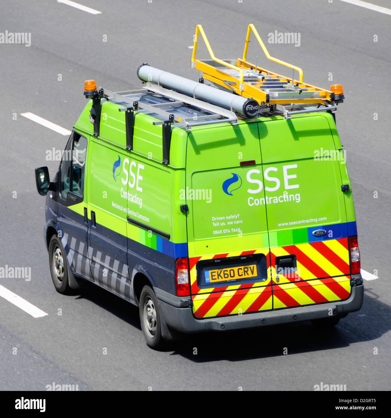 Scottish and Southern Energy plc contracting van on M25 motorway Essex England UK - Stock Image