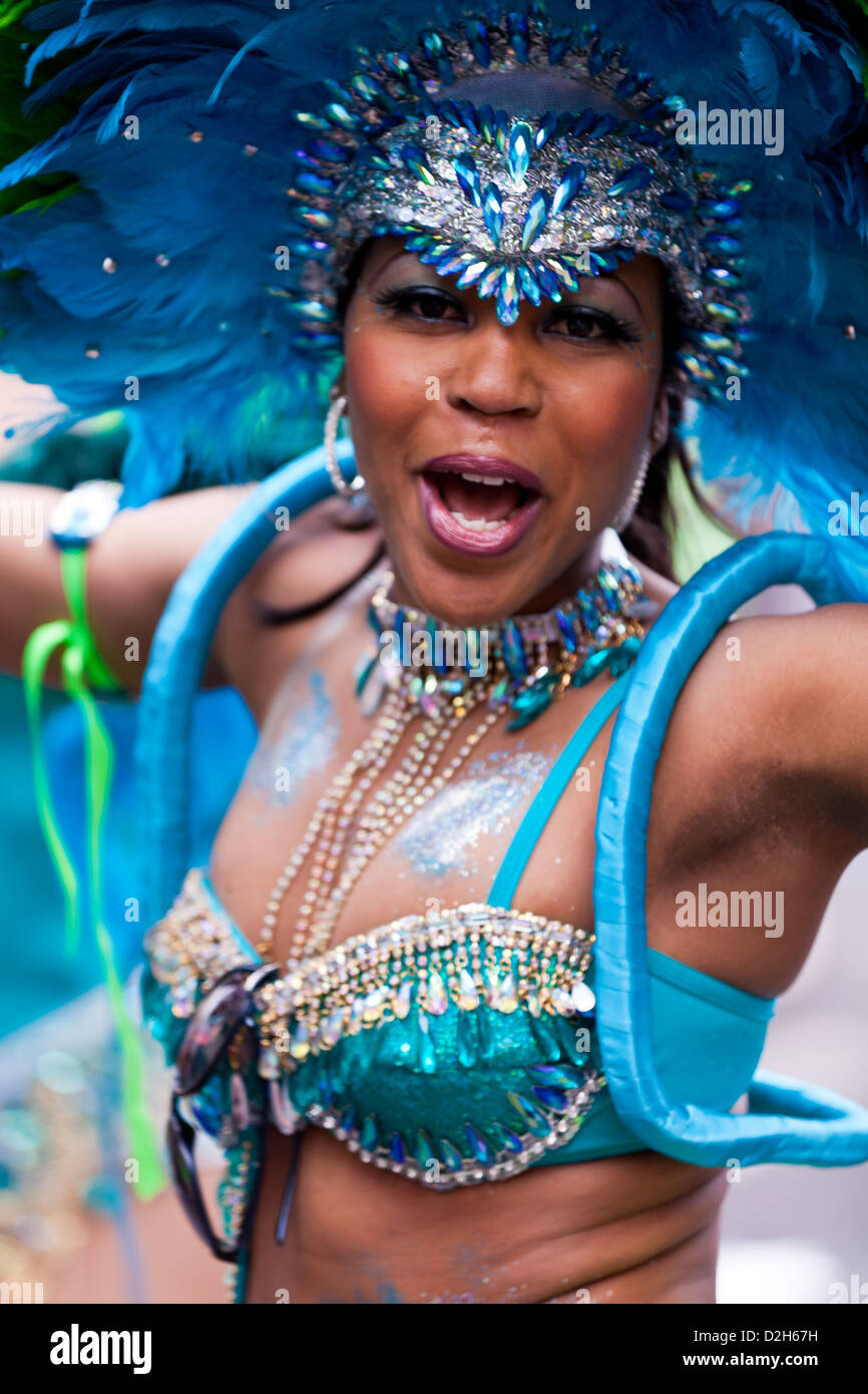 A female dancer at the Notting Hill Carnival 2011. - Stock Image