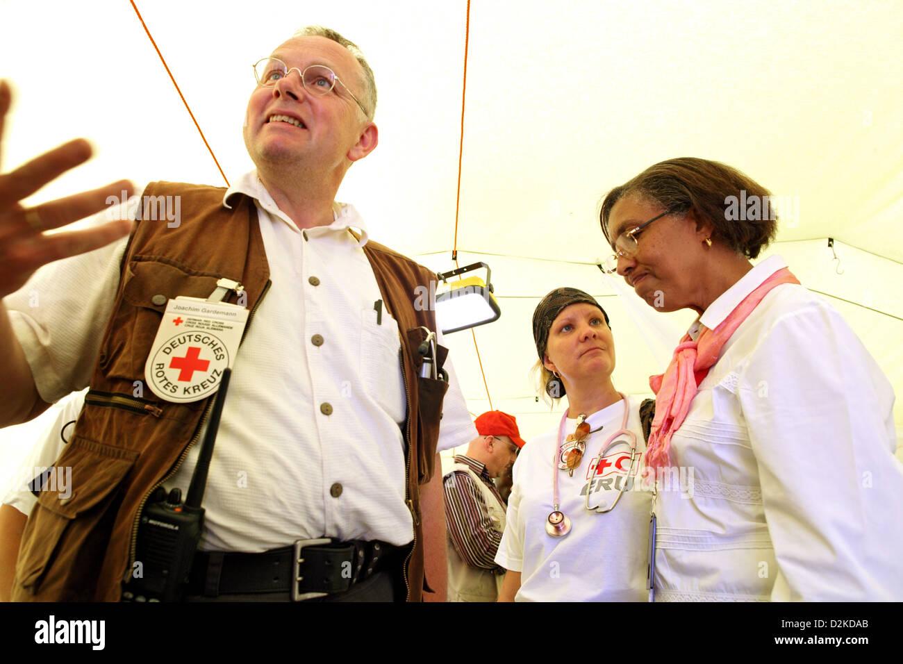 Carrefour, Haiti, visits Michaele Gideon the German Red Cross Field Hospital - Stock Image