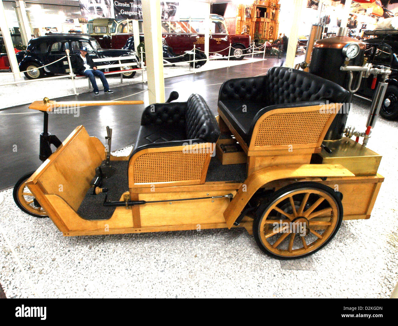 Grout Brothers (1899) 1000cc 2 cylinder 8hp steam engine - Stock Image